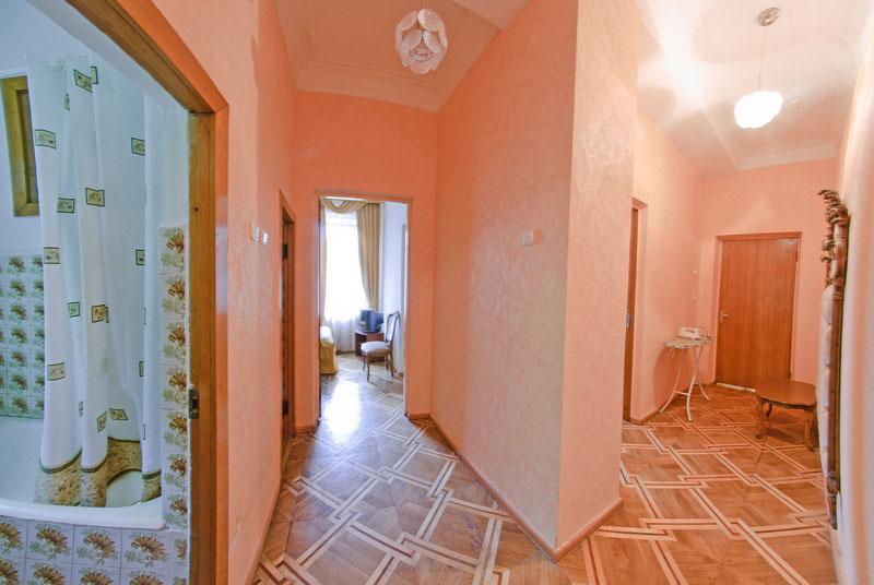 Улучшенный 2-комнатный 2-местный, корпус 1, санаторий Приморье, г. Евпатория, Крым